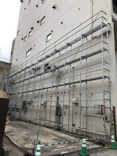 施工実績/市内中心部 ビル改修工事・仮設足場設置工事
