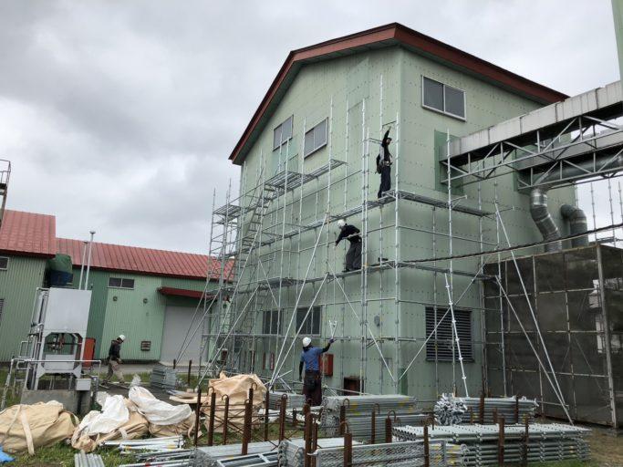 施工実績/麦乾燥施設 外部足場工事